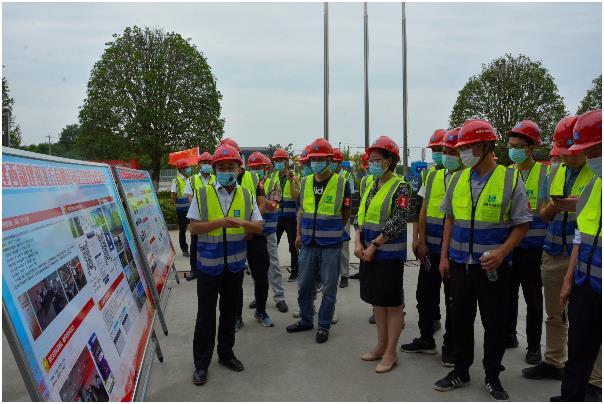 成都市混凝土协会在中建西部建设  开展预拌厂安全体